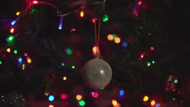Rohová rotace zlatá vánoční kulička.
