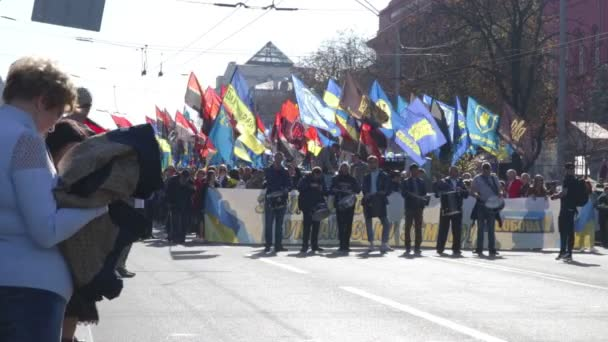 kyiv, ukraine 14 okt 2019. trommler im kopf des protestes gegen das minsker protokoll und die steinmeier-formel