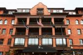 Boulder, Colorado - Május 27, 2020: Külső Hotel Boulderado, közelében található Pearl Street Mall Boulder County