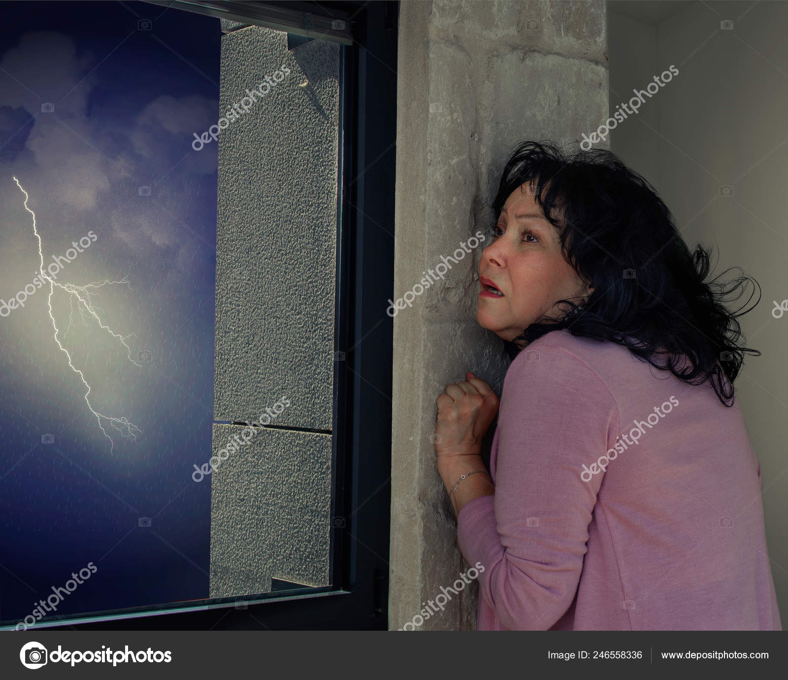 Mature woman runs exposure therapy against astraphobia