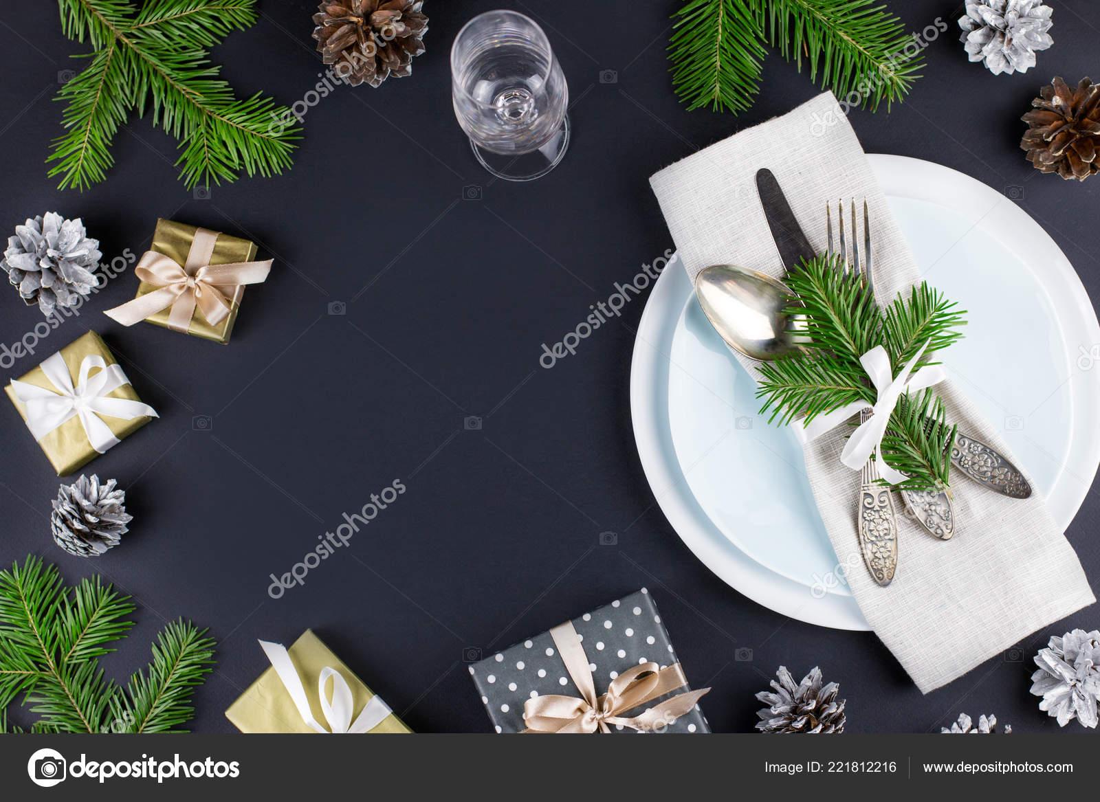 Christmas Table Setting Plates Silverware Gift Box Decorations Black Gold — Stock Photo