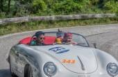 Pesaro Colle San Bartolo, Olaszország - május 17-2018: Porsche 356 1500 Speedster1954 régi versenyautó-rally Mille Miglia 2018-ban a híres olasz történelmi verseny (1927-1957)
