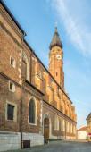 Fotografie Blick auf die Basilika St. Jakob von der Straße in Straubing