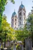 Fotografie Blick auf den Friedhof mit den Kirchtürmen von St. Peter in Straubing