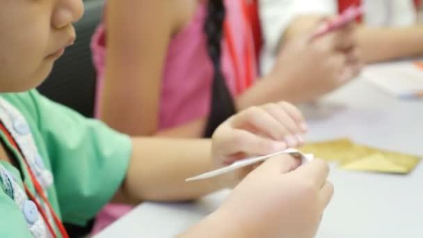 Asiatische Kinder Lernen Falten Japanische Papier Origami Kunst Des