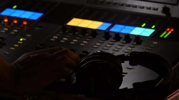 Video B203209640