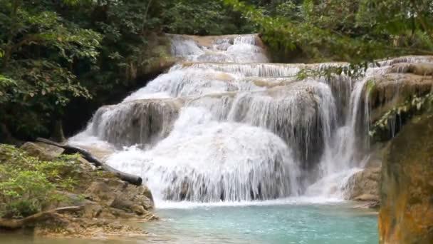 Erawan Wasserfall in Kanchanaburi, Thailand.