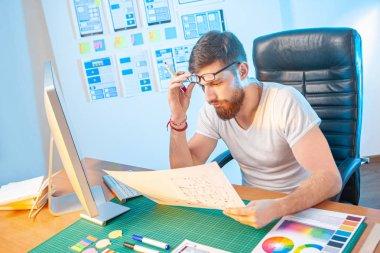 Control designer work. Creation of design for applications. Head of the design team. Mobile App Design. Design Studio. Frontend developer. Manager Digital company. Frustrated by the work of designers. stock vector
