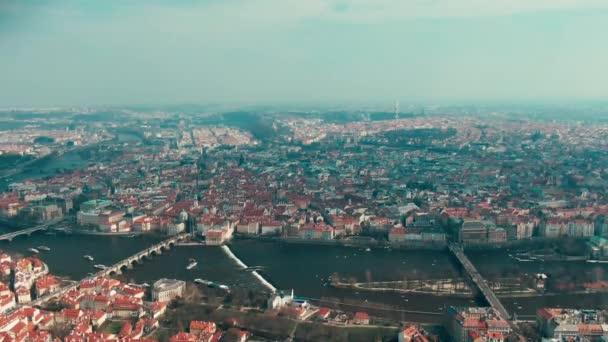 Letecký pohled na řeku Vltavy