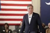 Beaufort, Jižní Karolína, USA-17. února, 2016: Jeb Bush hovoří na schůzi radnice před prezidentským prvním