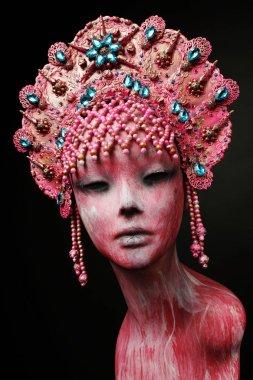 Head of mannequin in creative in metal kokoshnick