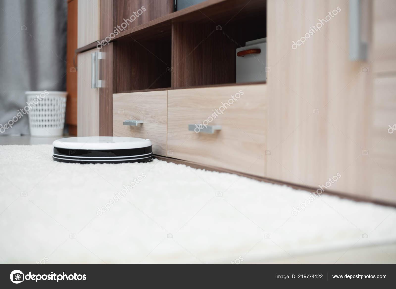New White Clean Robot Vacuum Cleaner Laminate Floor Carpet