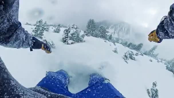 POV snowboardista Sliding Downhill Woods Extreme Winter Lifestyle Action Extreme Snow Adventure 360 Wide Angle Slow Motion 8k Hdr