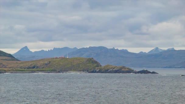 Kreuzfahrt um das Kap Horn mit dem Leuchtturm am südlichsten Zipfel Südamerikas