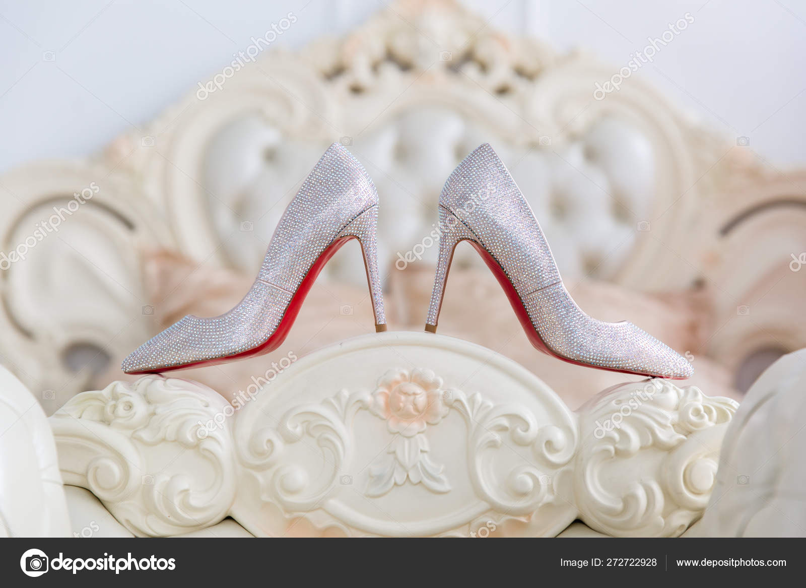 Foot Of The Bed womens shoes at the foot of the bed — stock photo