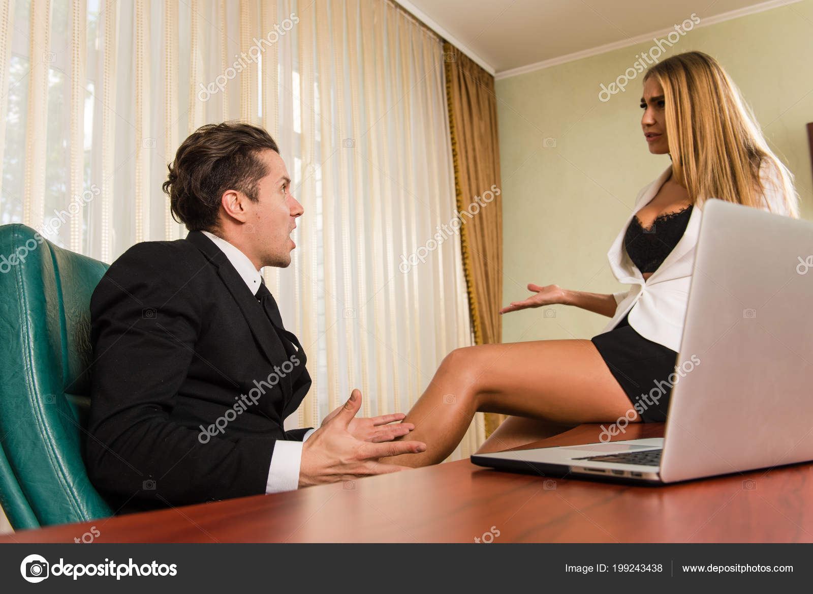 Немецкая секретарша и уу босс — pic 14