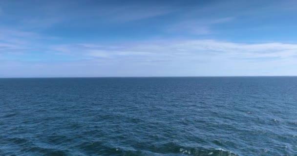 Národní park Glacier Bay, Aljaška, USA, je přirozeným dědictvím světa, globálním oteplováním, tajícím ledovci