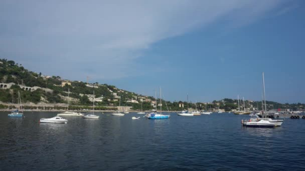 Yacht a Villefranche-Sur-Mer in Francia - Wide Shot