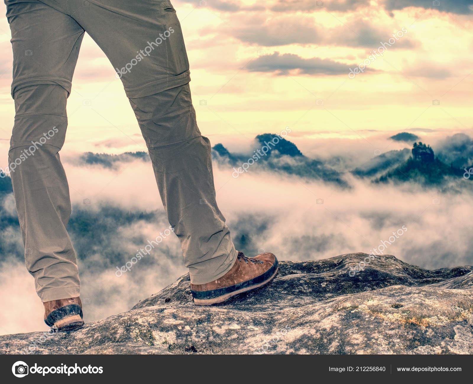 4d6152a2018 Sapato Trekking Pernas Trilha Rochosa Conceito Inspiração Motivação ...