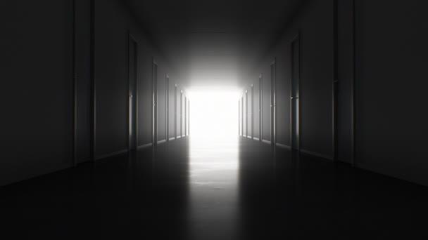 Varrat nélküli mozgás révén a sötét folyosón sok zárt ajtók a fényes fehér kijárat. Végtelenített 3d animáció fény a végén. Üzlet és technológia koncepció. 4 k Ultra Hd 3840 x 2160