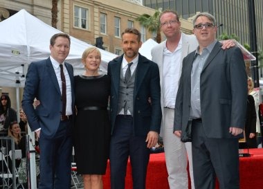Ryan Reynolds & mother & brothers