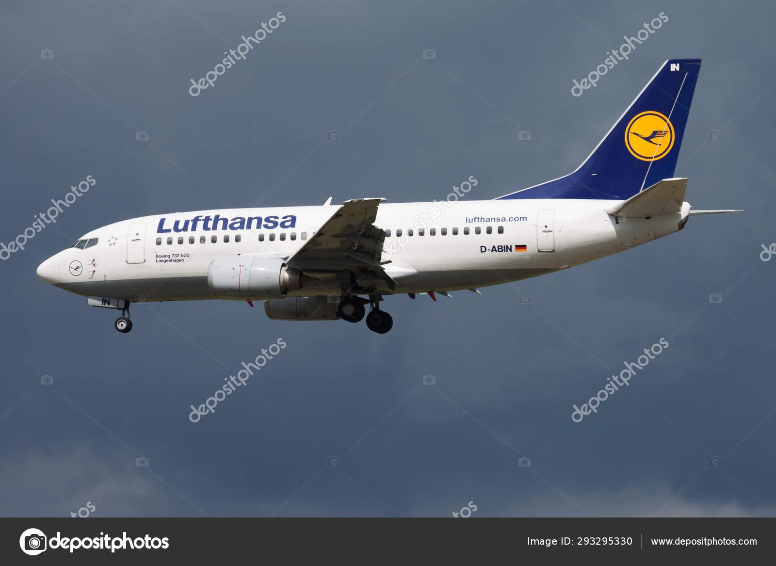 Lufthansa Boeing 737 500 D Abin Passenger Plane Landing At Frankfurt Airport Stock Editorial Photo C Soosjozsef 293295330