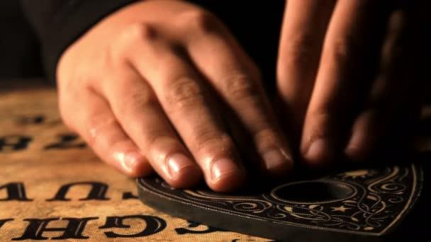 Hra duch čarodějnictví Ouija Board