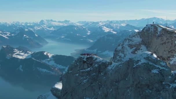 Szempontból a turisták a Mountain Pilatus. Svájc. Légifelvétel