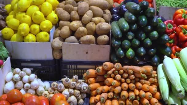 friss zöldség a piaci számláló