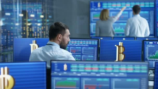 Velký akciový trh firma lidí pracujících s kryptoměn. Prodej a nákup akcií a dluhopisů