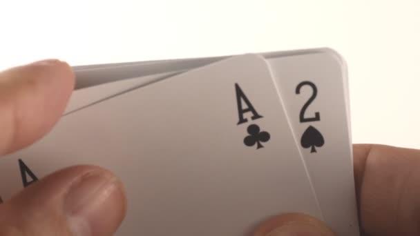 hra pokeru se dvěma ESA