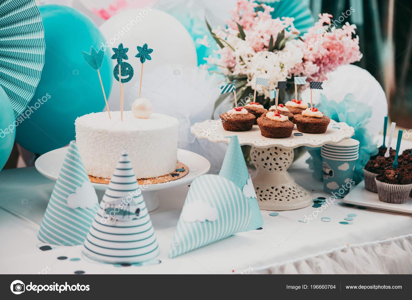 Kids Birthday Party Table Decoration Stockfoto