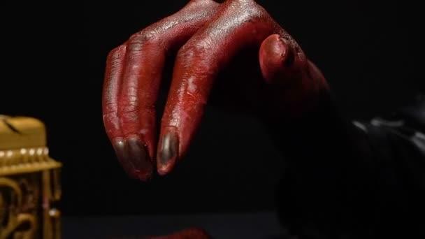 Krvavé ruce otevření horor box