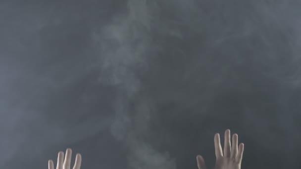 Textura par mlhy s rukama, 4k