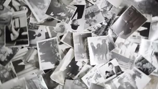 Roční rotující fotografie na retro pozadí