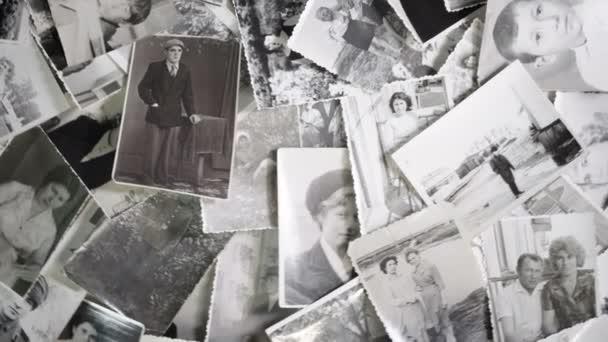 Staré otáčení fotografií na retro pozadí