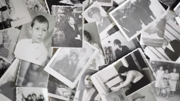 Staré rotující obrázky na retro pozadí