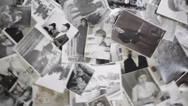 Staré otáčení obrázků na retro pozadí