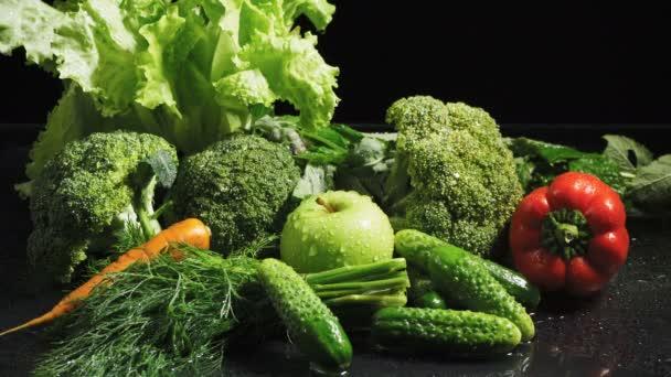 Videó vegyes zöldség szett vízcseppek
