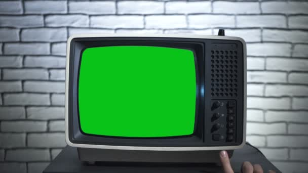 Bekapcsolom a régi tv-t zöld képernyővel