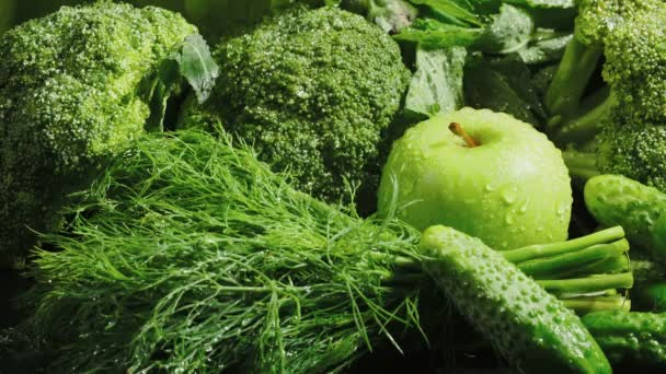 Video čerstvé zeleniny s padající mrkví