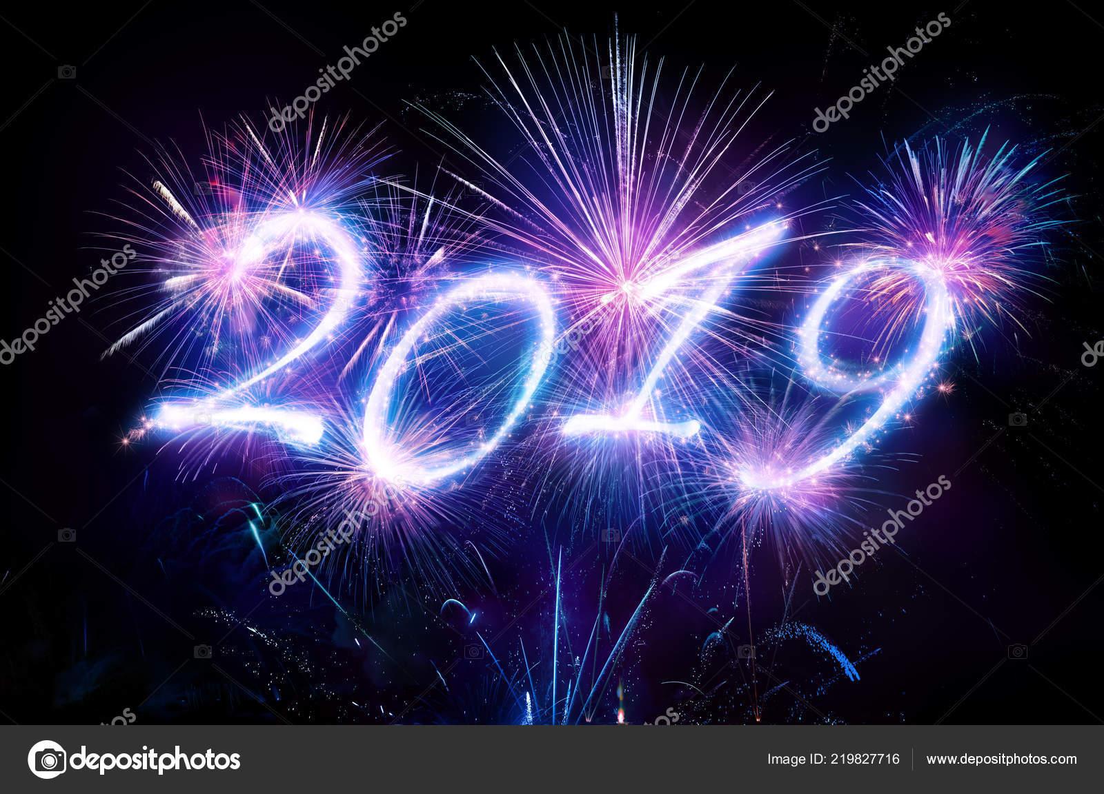 Feliz Ano Nuevo 2019 Con Fuegos Artificiales Foto De Stock