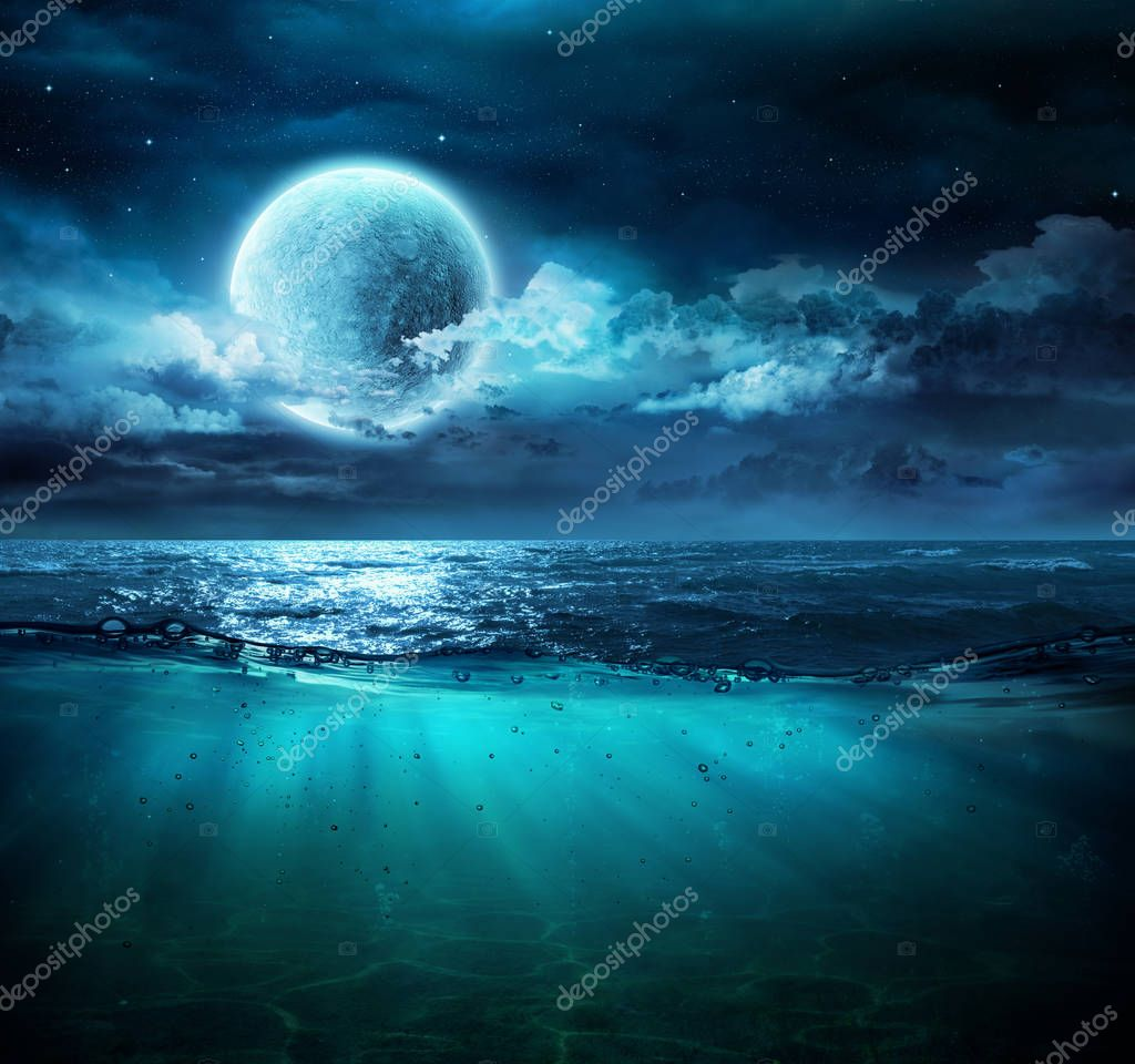 Фотообои Moon On Sea In Magic Night With Underwater Scene
