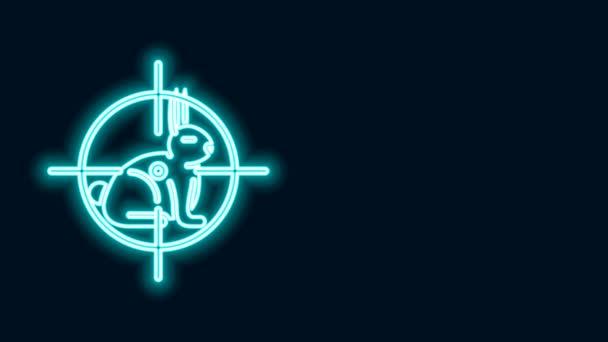 Leuchtende Leuchtlinie Jagd auf Kaninchen mit Fadenkreuz-Symbol isoliert auf schwarzem Hintergrund. Vereinslogo mit Kaninchen und Zielscheibe. Zielfernrohr auf einen Hasen. 4K Video Motion Grafik Animation
