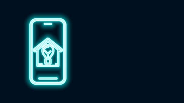 Žhnoucí neonová linka Mobilní telefon s chytrým domem a ikonou žárovky izolované na černém pozadí. Grafická animace pohybu videa 4K