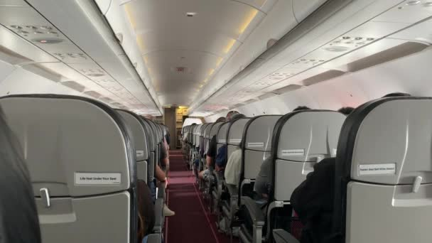 Třída Economy Interiér Let s turisty, Letecká kabina uvnitř