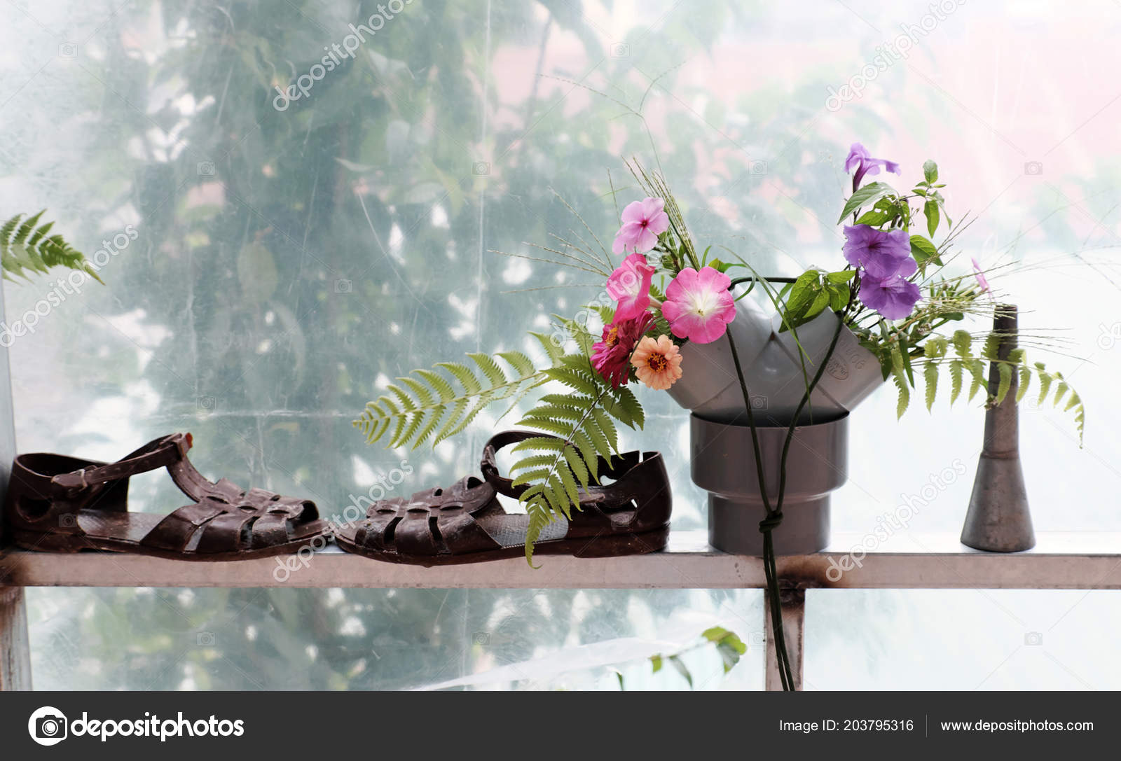 Freizeitaktivitäten Mit Recycling Von Abfällen Blumenvase Dekoration ...