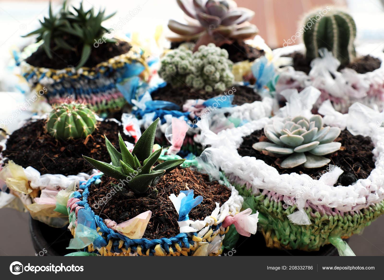 86ce5b2dbb Απίστευτο Ανακυκλωμένο Προϊόν Από Νάιλον Τσάντα Καλή Ιδέα Ανακύκλωσης Από–  εικόνα αρχείου