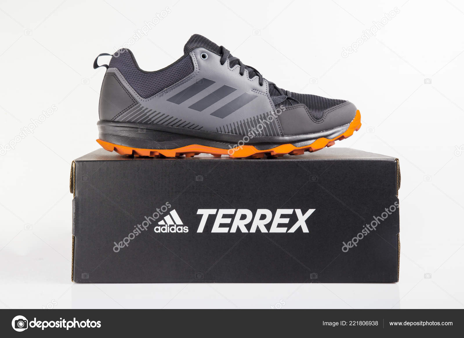 premium selection 78281 3a55d Afife Portugal Oktober 2018 Adidas Running Schuhe Adidas ...