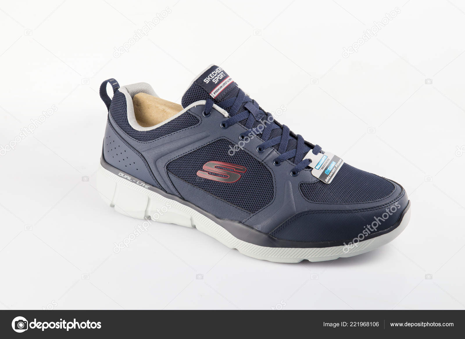 70cbd25c2ebb Afife Portugal October 2018 Skechers Running Boots Skechers Multinational  Company — Stock Photo